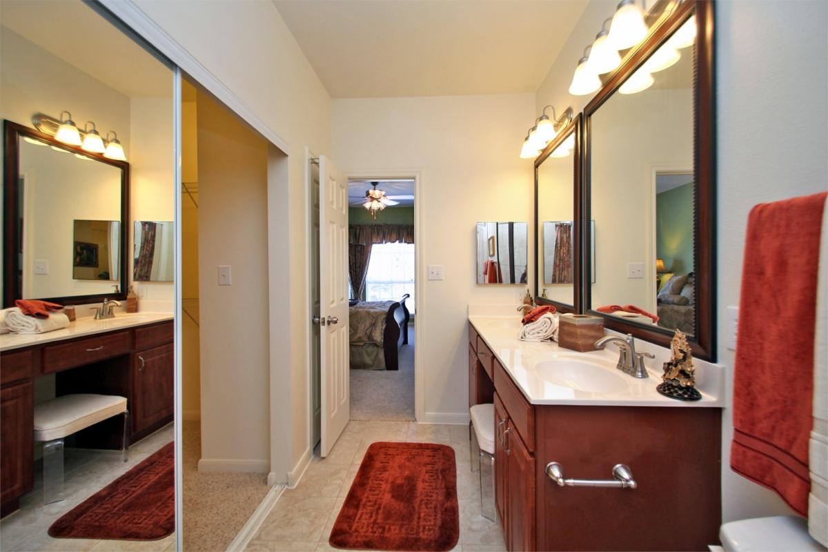 Apartment Furniture T Bellagio Apartments For Rent In